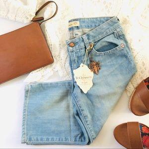 Denim - Bermuda Capri Jeans Light Wash NWT